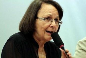 Ainda bem que direitos das mulheres não viraram moeda de troca', diz Jô Moraes