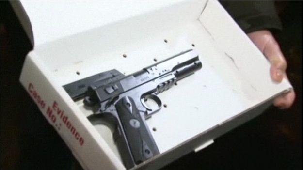 141124104046 gun 624x351 xx nocredit Polícia mata menino de 12 anos que brincava com arma de brinquedo nos EUA