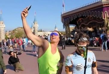 Turistas brasileiros viram motivo de piada na Disney