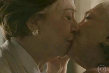 Governo do RS compartilha texto de médica sobre beijo gay
