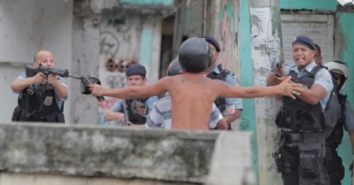 A pacificação da polícia pacificadora.