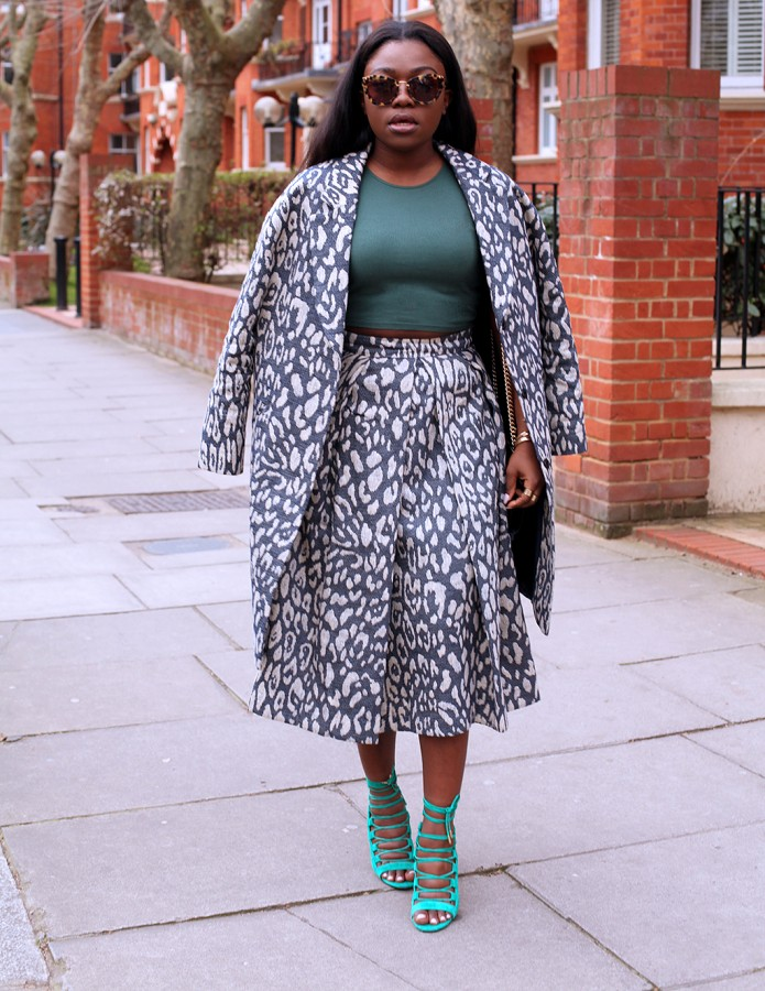 the-outnet-animal-print-full-skirt-coat-mirror-me-5