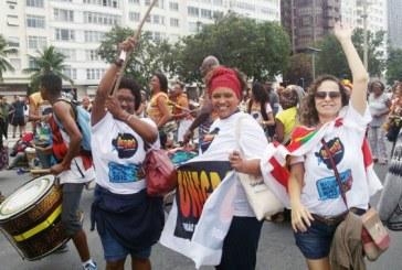 Mulheres saem em passeata no Dia da Mulher Negra, Latino-americana e Caribenha