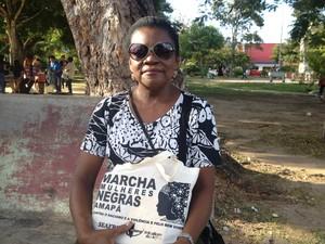 Maria de Nazaré foi uma das participantes da marcha (Foto: Aline Paiva/G1)