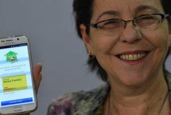 'Falta de informação leva ao preconceito contra o Bolsa Família', diz ministra do Desenvolvimento Social