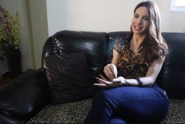 Vivian Beleboni a transexual crucificada na Parada LGBT foi agredida novamente