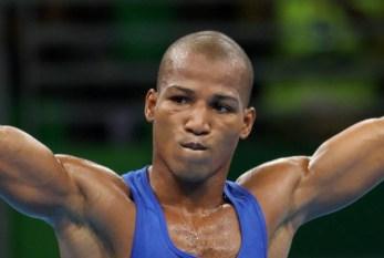 """Ouro no boxe, Robson Conceição condena redução da maioridade penal: """"Não acho justo punir crianças"""""""