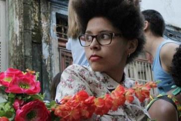 Yasmin Thayná, cineasta negra com orgulho