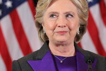 Em discurso da derrota, Hillary fala às mulheres: 'Nada me fez mais feliz do que ser a campeã de vocês'