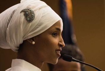 Ex-refugiada de origem somali é eleita deputada estadual em Minnesota
