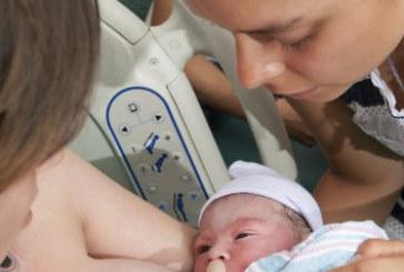Vereadores de SP aprovam lei que permite presença de doulas em hospitais e maternidades da cidade