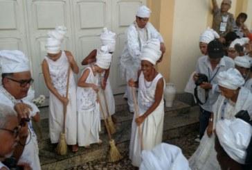 Lavagem do Bonfim reúne devotos em protesto contra intolerância religiosa