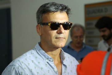 Leonardo Vieira vai a delegacia no Rio após sofrer homofobia na web