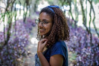 Larissa Mendes, negra e da periferia supera preconceitos para estudar na Poli