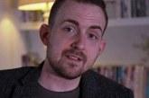 O professor que revelou ser gay na frente de mil alunos