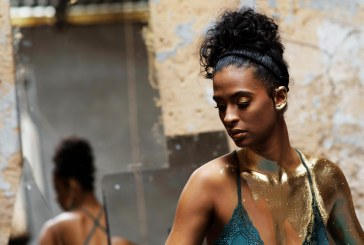 """""""O corpo é a ferramenta visual da música"""", diz a cantora sergipana Héloa"""