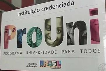 Bolsistas do Prouni têm nota mais alta no Enade que seus colegas de classe, diz estudo