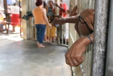 Número de mulheres presas no Brasil cresce 700% em 16 anos
