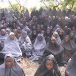 Boko Haram liberta 82 meninas de Chibok há três anos em cativeiro