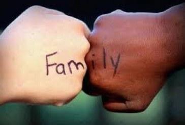 Brancas com descendência negra: Como mães adotivas aprendem a lidar com racismo