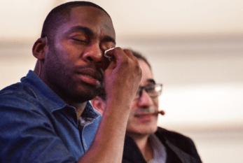 "Conversa sobre racismo e ""branquitude"" leva Lázaro Ramos às lágrimas"