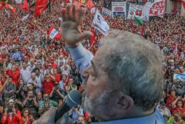 Desembargador do TRF4 manda soltar Lula da prisão ainda hoje