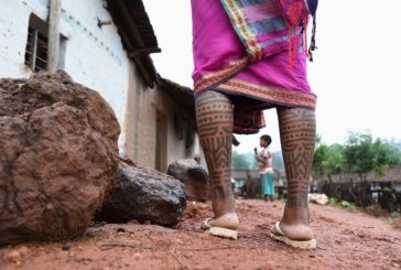 'Não ter uma tatuagem foi minha versão da rebeldia': por que as indianas estão se negando a ser tatuadas