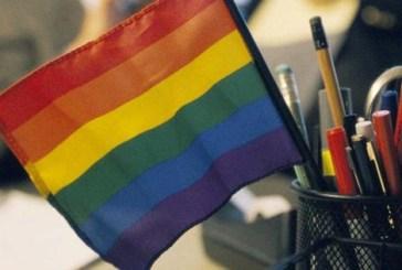 Estudo aponta que 65% dos gays brasileiros já presenciaram homofobia no trabalho