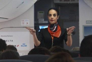 Gol é a primeira companhia aérea do Brasil a ter comissária de bordo trans