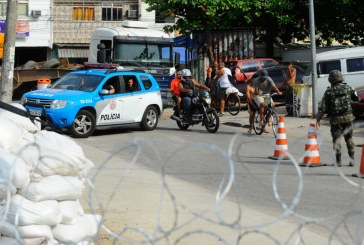 Medo da violência policial e de acusações injustas é maior entre a população negra do Rio