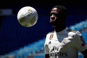 Apresentado no Real Madrid, Vinicius Junior inicia jornada europeia à sombra do racismo