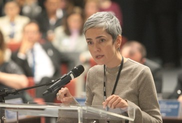 """""""Aborto não é matéria de prisão, mas de cuidado, proteção e prevenção"""", diz Débora Diniz no STF"""