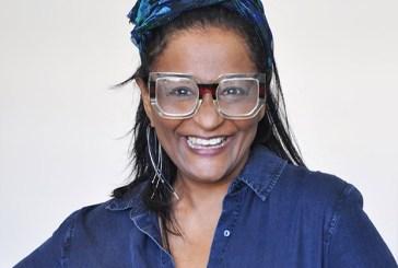 Claudia di Moura lembra racismo na igreja em sua infância: