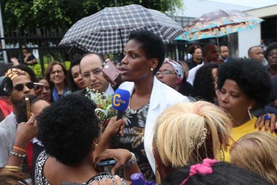 'Vai faltar algema', diziam advogados em desagravo a Valéria dos Santos