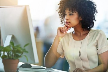 Mulheres têm mais diplomas, mas menos empregos e salários menores, diz OCDE