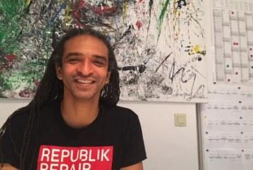 """Primeiro diretor negro de teatro público em Berlim, brasileiro propõe perspectiva de """"pós-migração"""""""