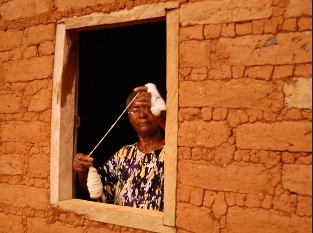 Uma quilombola na janela