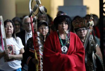 Canadá admite ter sido cúmplice de 'genocídio racial' de mulheres indígenas