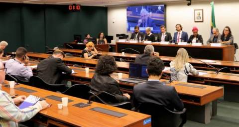 Sala durante audiência publica