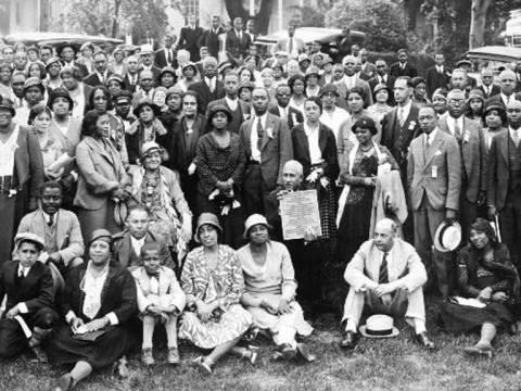 Foto, em preto e branco, dos Membros da Associação nacional para o Avanço das Pessoas de Cor
