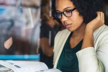 Mulheres são maioria nas universidades brasileiras, mas têm mais dificuldades em encontrar emprego