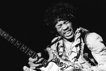 A vida de Jimi Hendrix: como o jovem James se tornou o gênio da guitarra