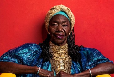 Aos 75 anos, Lia de Itamaracá lança livro de memórias e novo disco