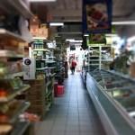 Im Heng Long Supermarkt: Froschschenkel, Hühnerfüsse, Entenzungen