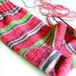 Sommersocken stricken mit Austermann Step Summer Stripes