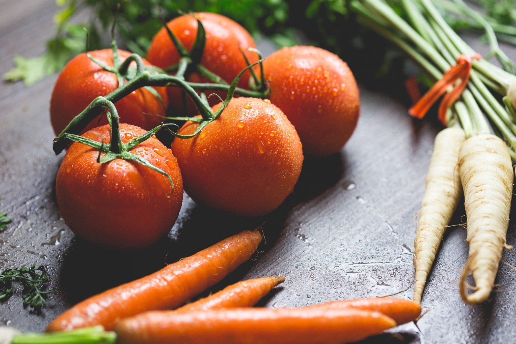 tomates y zanahorias