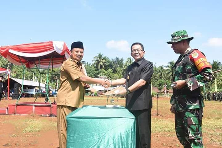 Bupati Tasikmalaya Hadir Pada Acara TMMD Yang Mendekatkan Pemerintah Dan TNI Dengan Masyarakat