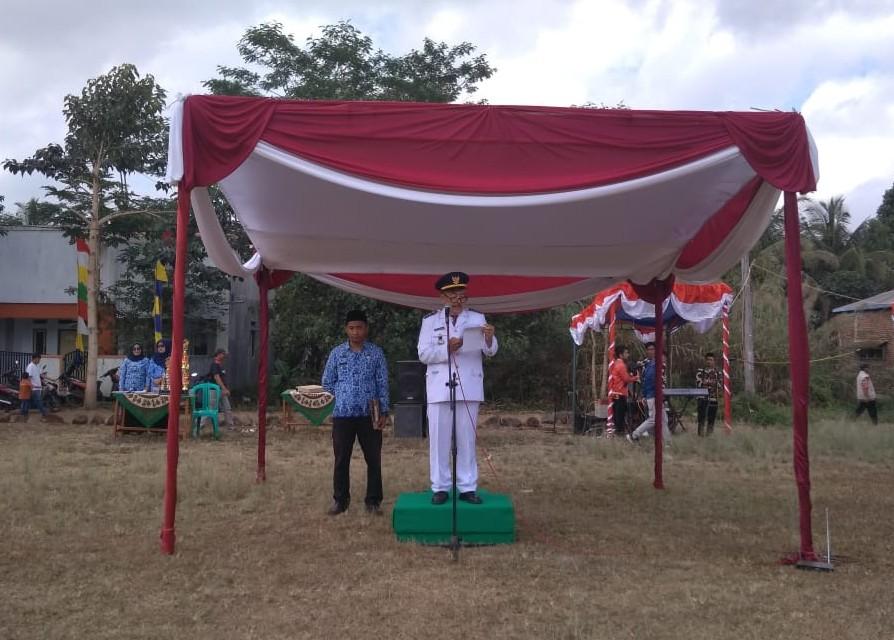 Upacara Hari Kemerdekaan RI di Kec. Tanjungjaya, Camat Membacakan Amanat Bupati