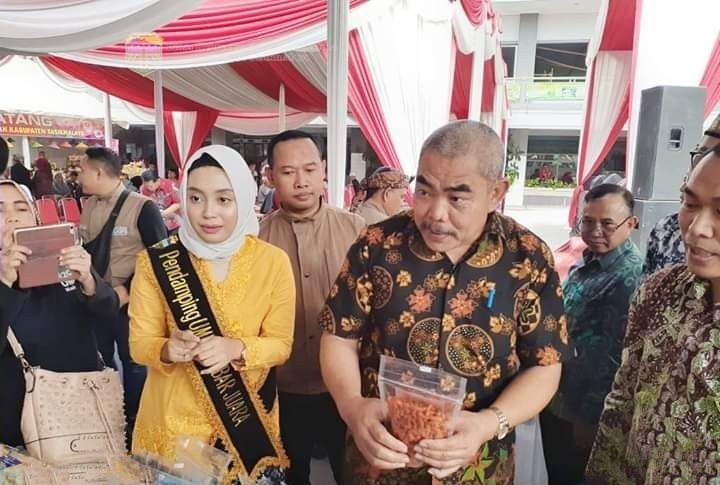 Gelar Produk dan Temu Bisnis UMKM Juara Tahun 2019 Dibuka oleh PJ. Sekda