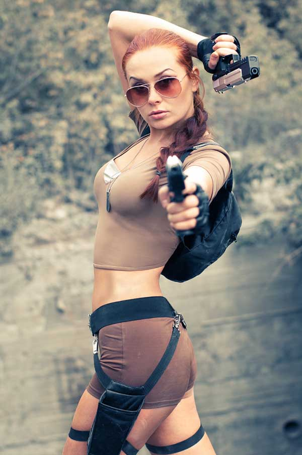 Cosplay-Lara-Croft-10